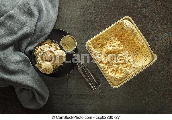 crema, vainilla, hielo - csp82280727