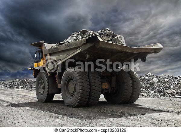 creuser camion - csp10283126