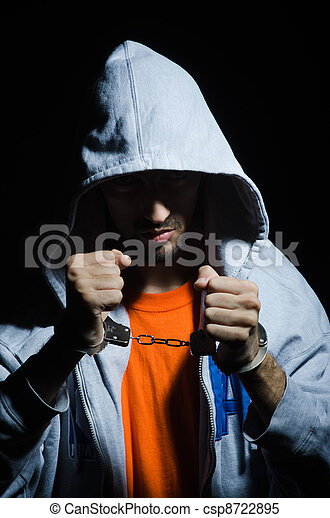 crimineel, handcuffs, jonge - csp8722895