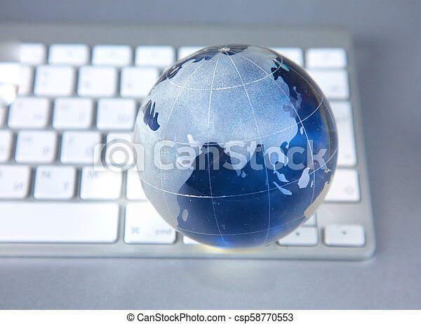 cristal , σφαίρα , ηλεκτρονικός υπολογιστής , γη  - csp58770553