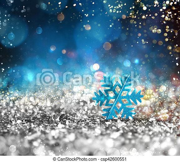 Cristal brillante de plata con fondo de copos de nieve - csp42600551