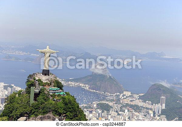 Cristo Redentor y dulce en Rio de Janeiro - csp3244887