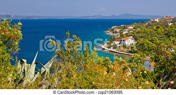 Croatian island Iz panoramic view - csp21063095