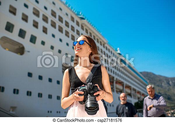 croisière, grand, femme, touriste, paquebot - csp27181576