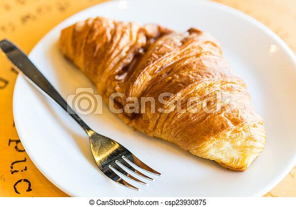 Croissant - csp23930875