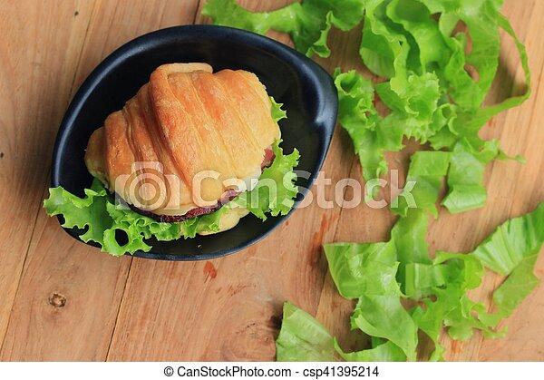 Croissant - csp41395214