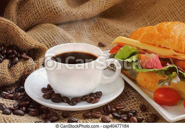 Croissant sandwich. - csp40477184