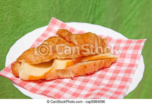 croissant sandwich - csp5984096