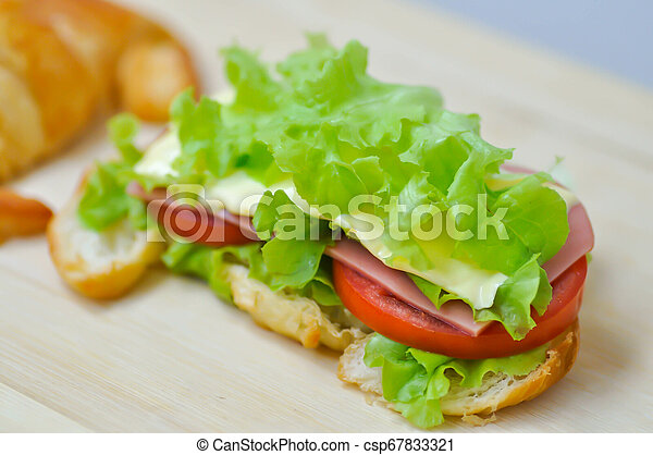 croissant sandwich - csp67833321