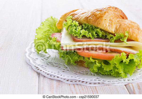 croissant sandwich - csp21590037
