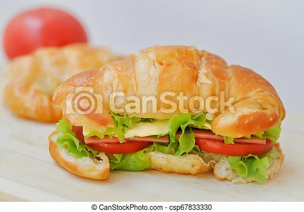 croissant sandwich - csp67833330