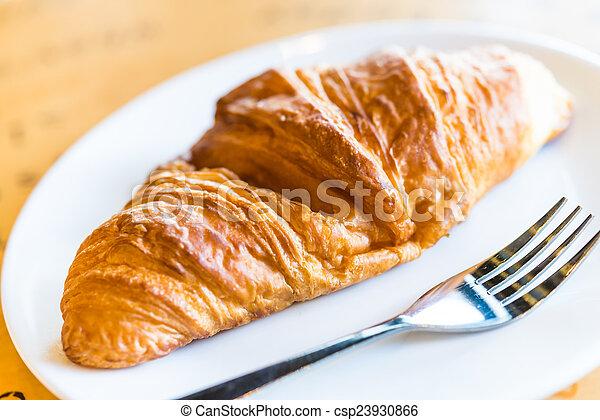 Croissant - csp23930866