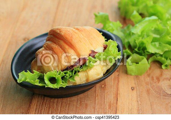 Croissant - csp41395423