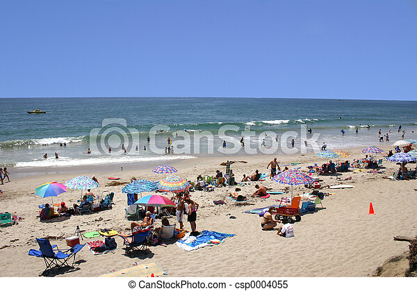 Crowded Beach - csp0004055