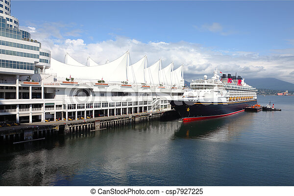 Cruise ship, Canada Place Vancouver BC Canada. - csp7927225