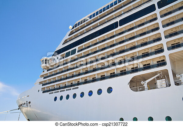 Cruise ship. - csp21307722