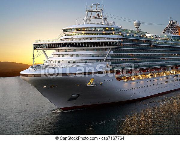 Cruise ship. - csp7167764