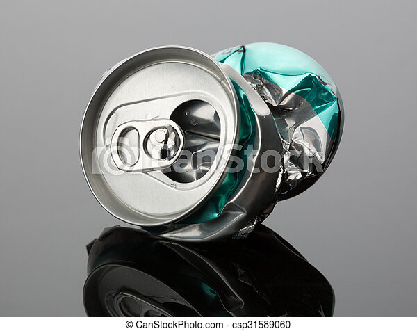 Crumpled beverage can - csp31589060