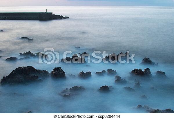 Beacon al atardecer, Puerto de la cruz, tiene el 2 - csp0284444