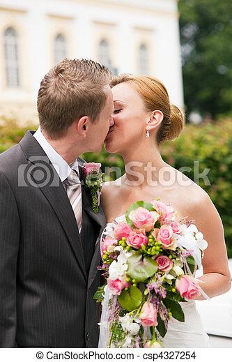 csókolózás, -, liget, esküvő - csp4327254