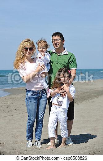 család, fiatal, szórakozik, tengerpart, boldog - csp6508826