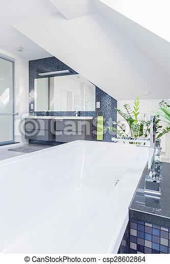 Cuarto de baño, contrastive, azulejos, blanco. Cuarto de ...