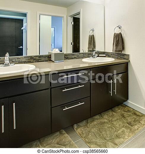 cuarto de baño, gabinetes, fregaderos, dos, grande, negro, interior, espejo.