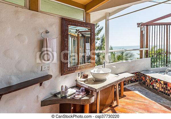 Cuarto de baño, moderno, diseño, mar, visión interior. Cuarto de ...