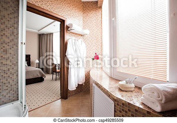 Cuarto de baño, moderno, ducha, lujo, interior, ventana., cabaña ...