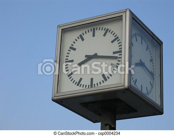 Cubic Clock - csp0004234