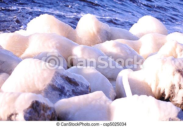 Pinzas de helado - csp5025034
