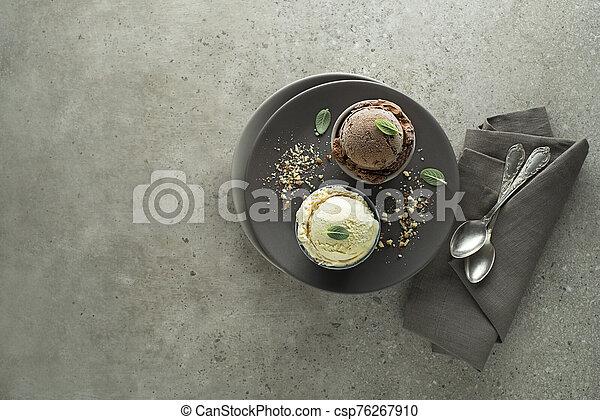 cucharadas, helado - csp76267910