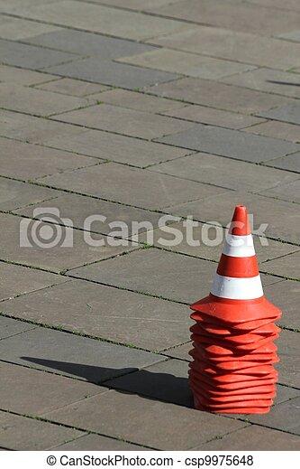 Conos de tráfico - csp9975648