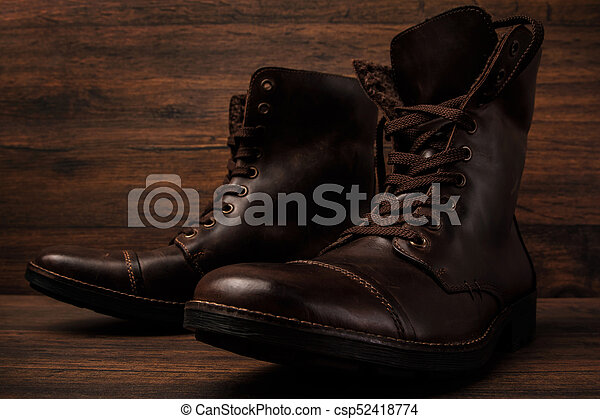 Botas de cuero - csp52418774