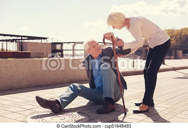 cuidado, mujer, ella, levantarse, porción, 3º edad, marido - csp51648493