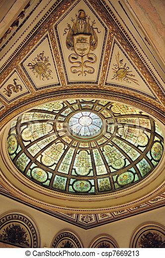 El interior del centro cultural de Chicago - csp7669213