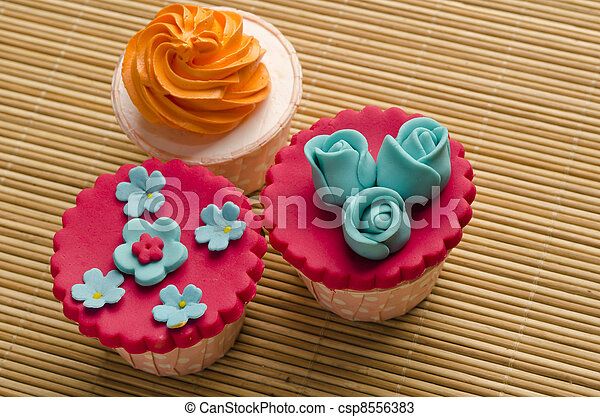 cup cakes - csp8556383