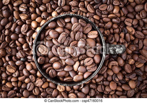 Cup of coffee on coffee beans - csp47160016