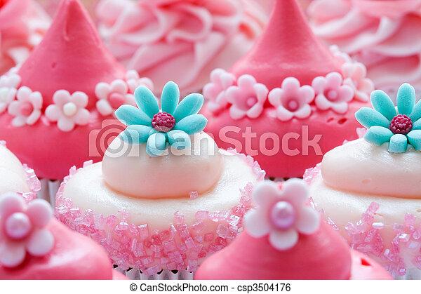 Cupcakes - csp3504176
