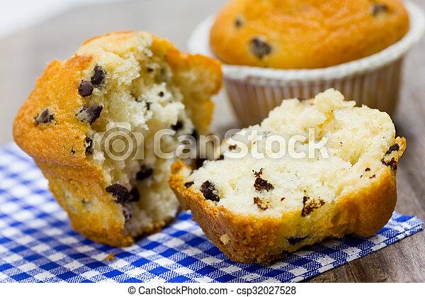 cupcakes - csp32027528