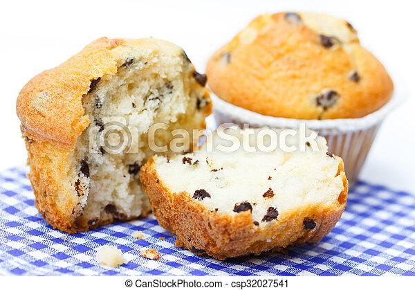 cupcakes - csp32027541