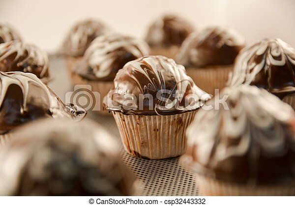 cupcakes - csp32443332