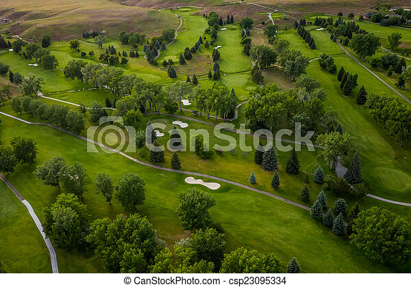 Campo de golf aéreo - csp23095334