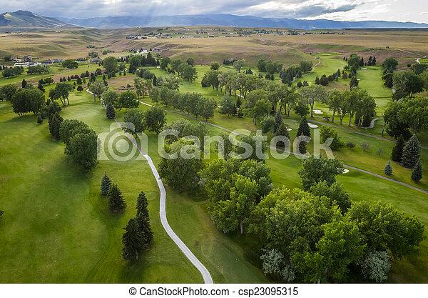 Campo de golf aéreo - csp23095315