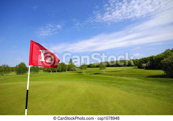 Bandera en el campo de golf - csp1078948