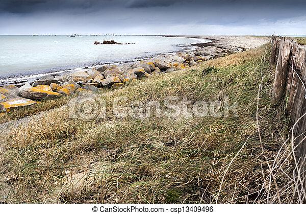 Curved coastline - csp13409496