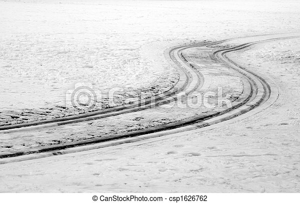 curved tracks in snow - csp1626762