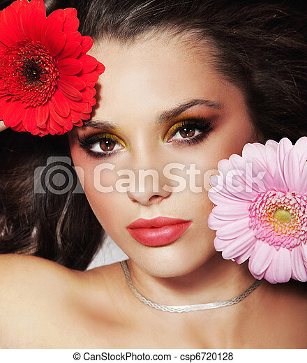 Cute brunette with flowers - csp6720128