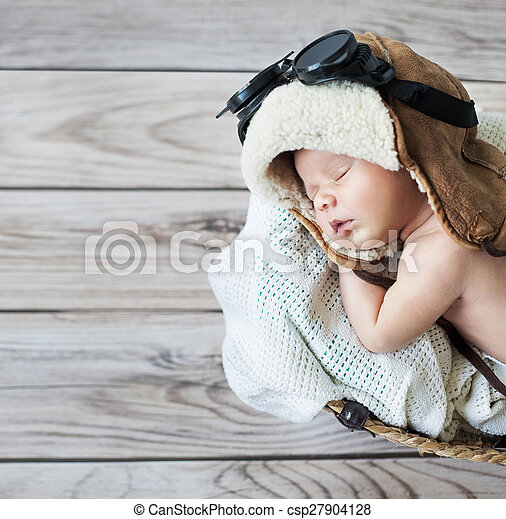 Cute little boy sleeping with goggles - csp27904128
