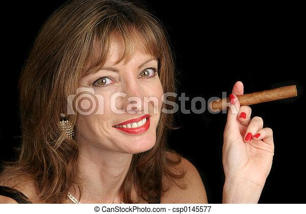 cute, mulher, fumar charuto - csp0145577